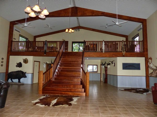 Accommodation and Dining at Carmor Plains